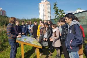 27 сентября 2017 года студенты 2 и 3 курса Института Теологии посетили экологическую тропу «Каменная Горка»